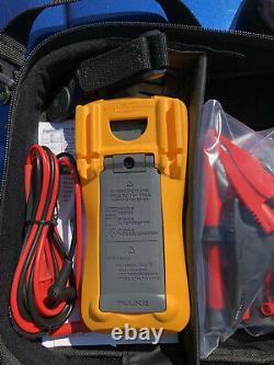 Fluke 115 True-RMS Professional Digital Multimeter AC DC amps volts CAT III 600V